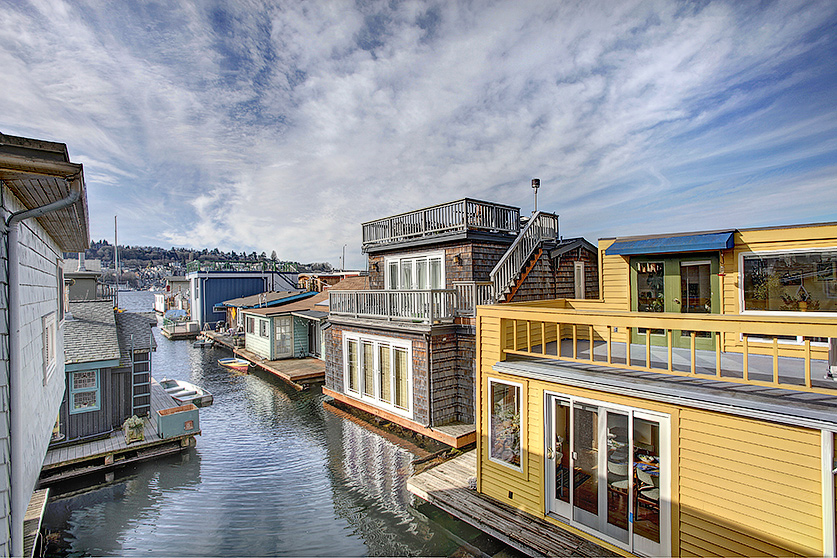 Lake Union waterfront living at its best